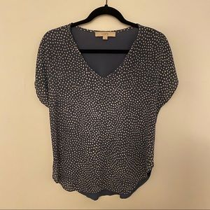 LOFT blue speckled v neck mixed media top